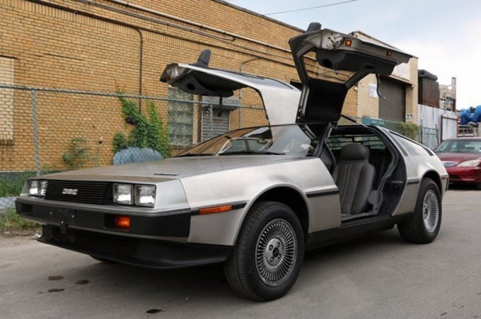Delorean DMC 12 1982